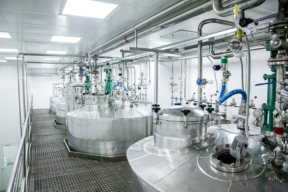 Pharmaceutical production of liquid pharmaceuticals